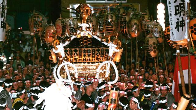 鳥越祭の画像