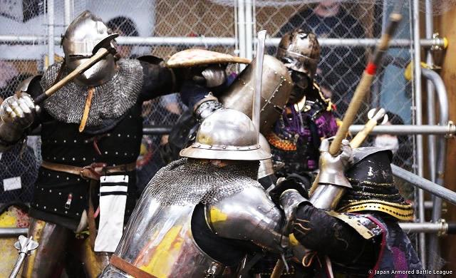 armored-battle02.jpg