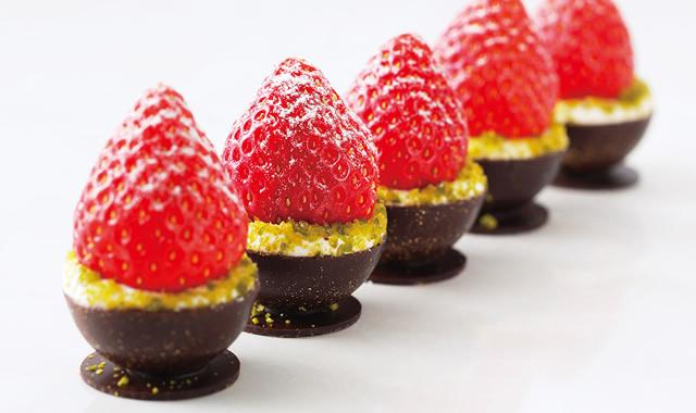 「銀座千疋屋 いちごのチョコレート」の画像検索結果