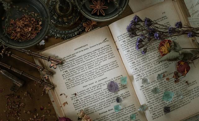 love-antiques01.jpg